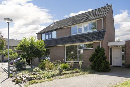 Bijsteren 85 in 'S-Hertogenbosch 5235 DP