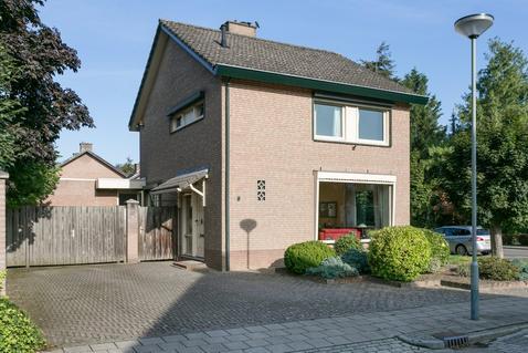 Kanunnik Willemsestraat 6 in Sint Odilienberg 6077 AH