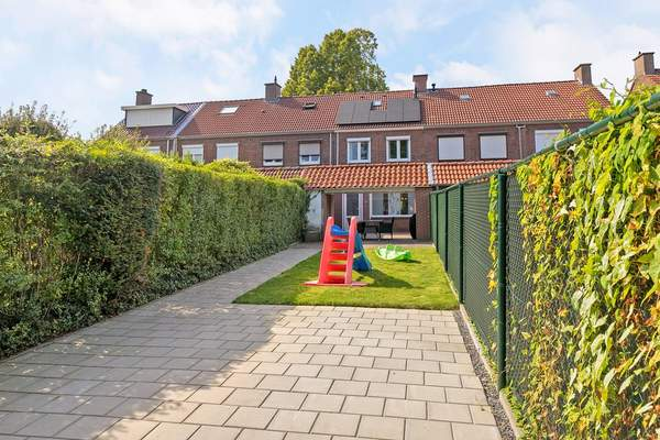 Antoniusstraat 28 in Geleen 6166 XK