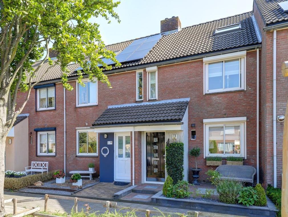 Van Asperenstraat 16 in Hardinxveld-Giessendam 3371 HR