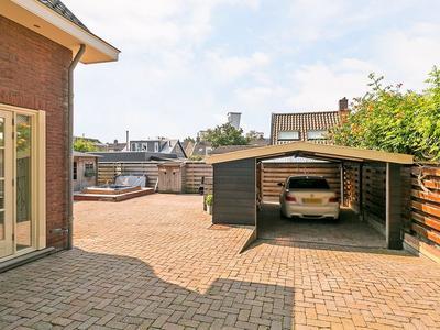 IJsseldijk 364 in Krimpen Aan Den IJssel 2922 BN
