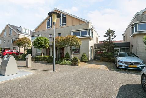 Benthuizenstraat 12 in Zoetermeer 2729 AA