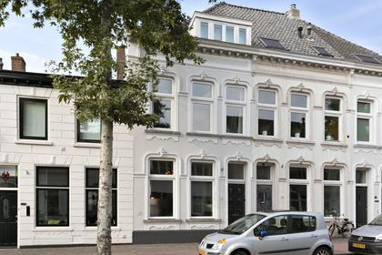 Auvergnestraat 20 in Bergen Op Zoom 4611 LN