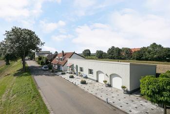 Westdijk 36 A in Heinenoord 3274 KG