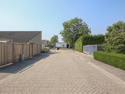 Past. Bronsgeeststraat 7 in Beneden-Leeuwen 6658 CX
