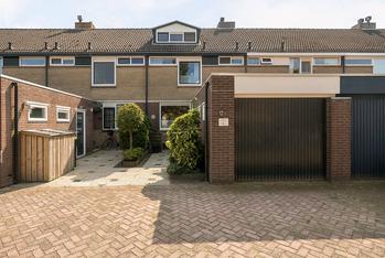 Mendelssohnstraat 28 in Numansdorp 3281 VJ