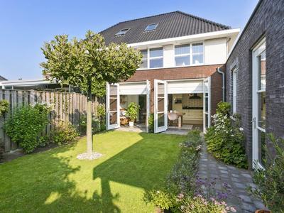 Klavierstraat 20 in Beek En Donk 5741 WK
