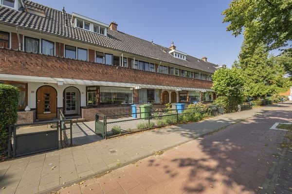 Van Zuylen Van Nijeveltstraat 267 in Wassenaar 2242 LH