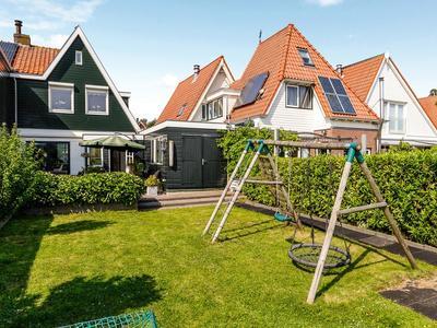 Van Beekstraat 160 in Landsmeer 1121 NV
