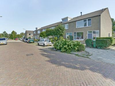 Van Hogendorplaan 12 in Zwijndrecht 3332 JD