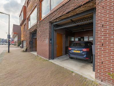 P.E. Tegelbergplein 12 in Amsterdam 1019 TA