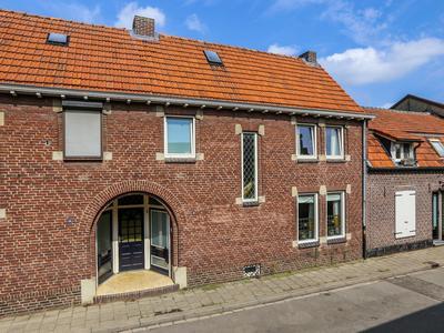 Maasbreesestraat 42 in Venlo 5921 EM
