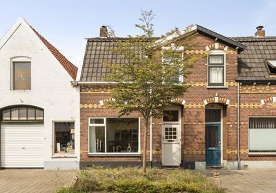 Buitensingel 5 in Zutphen 7204 HA
