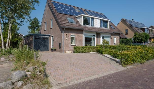 De Hulst 41 in Roden 9301 PC