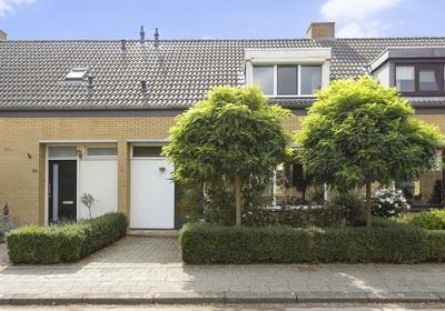 Torrestraat 11 in Kronenberg 5976 NR