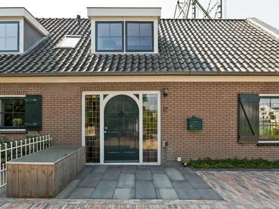 Gouwekade 17 in Alphen Aan Den Rijn 2407 BA