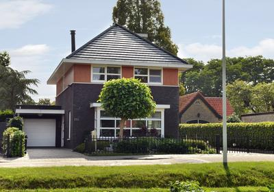 Waterstraat 100 in Halsteren 4661 RD