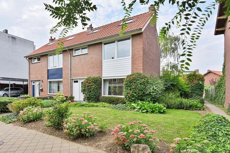 Baron Van Hovellstraat 70 in Maastricht 6221 VG
