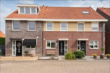 Karel Doormanstraat 76 in Hellouw 4174 GK