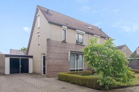 Branshoef 12 in Helmond 5704 KG