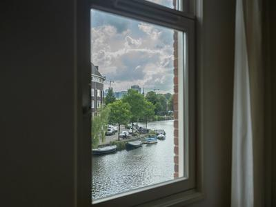 Jozef Israelskade 9 -B in Amsterdam 1072 RS