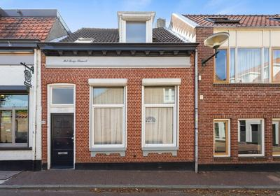 Fluwelenbroekstraat 49 in Bergen Op Zoom 4611 JS