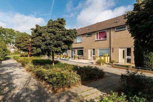 Hazelaarstraat 26 in Nieuwegein 3434 TC