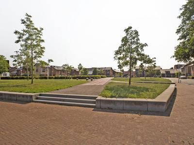 Zwanebloem 18 in Alphen Aan Den Rijn 2408 LT