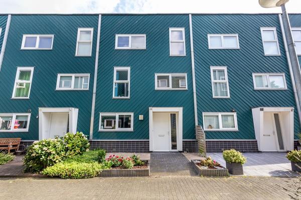 Frederiksveld 29 in Nieuw-Vennep 2151 LP