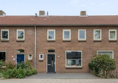 Esschestraat 37 in Vught 5262 BA