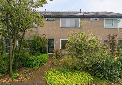 Karveel 15 85 in Lelystad 8231 AW