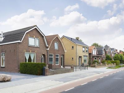 Hoofdstraat 82 in Zevenbergschen Hoek 4765 CH