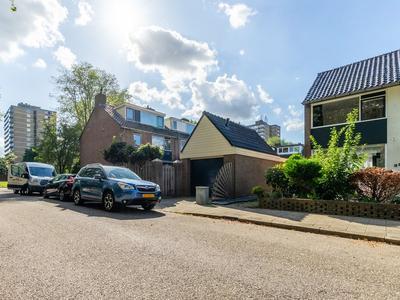 Prof. Dr. Bakkerlaan 32 in Nieuwegein 3431 EK