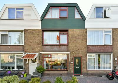 Burgemeester Teerstraat 18 in Oostzaan 1511 BS