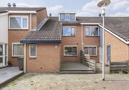 Esdoornhof 11 in Kampen 8266 GB