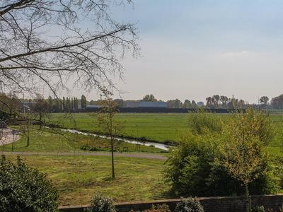 Koningin Julianaweg 1 A in Maasland 3155 XB