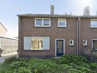 Julianastraat 46 in Hoeven 4741 BX