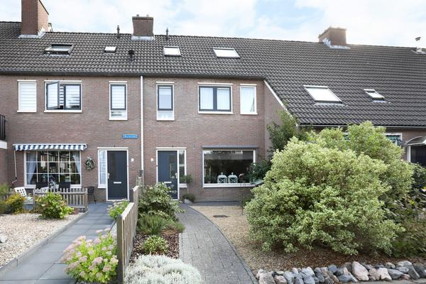 Warderhof 7 in Emmeloord 8304 CP