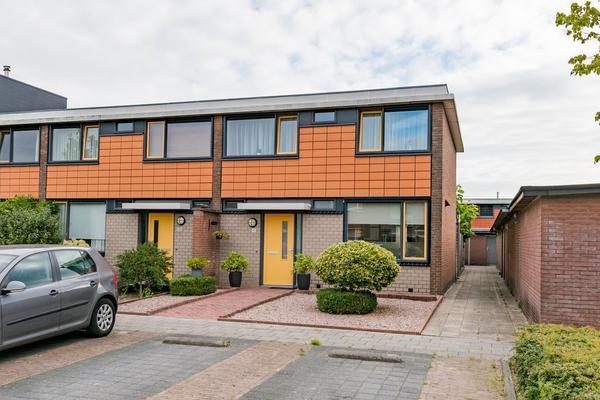 Zonnebloemstraat 98 in Barneveld 3772 GT