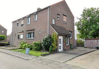 Karel Doormanstraat 22 in Landgraaf 6374 VG