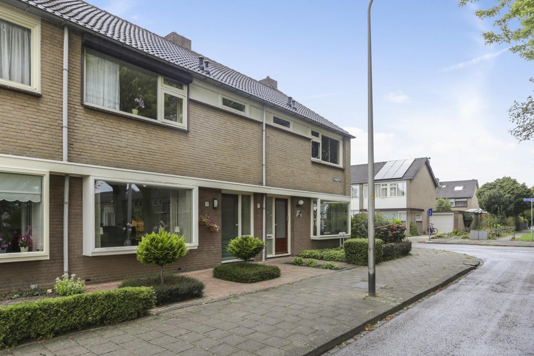 J.I. De Haanstraat 11 in Hengelo 7552 JA