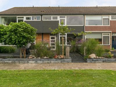 Meester De Vriesstraat 41 in Witmarsum 8748 BT