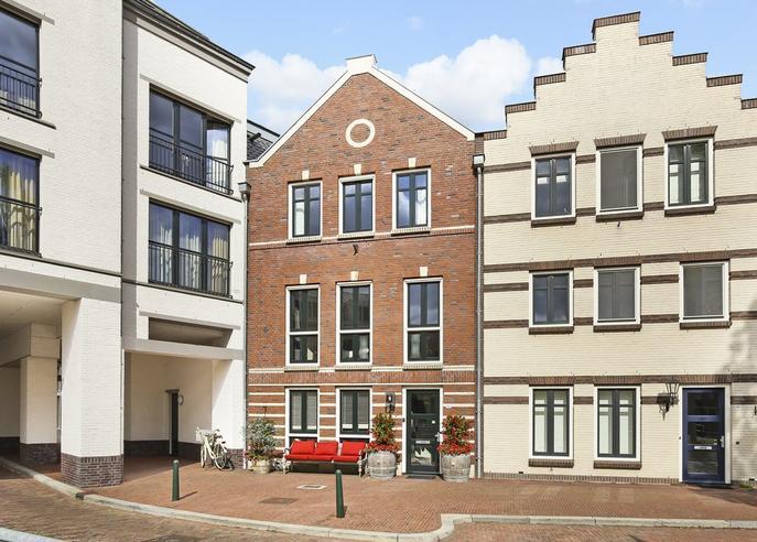 Landstraat 192 in Bussum 1401 ET