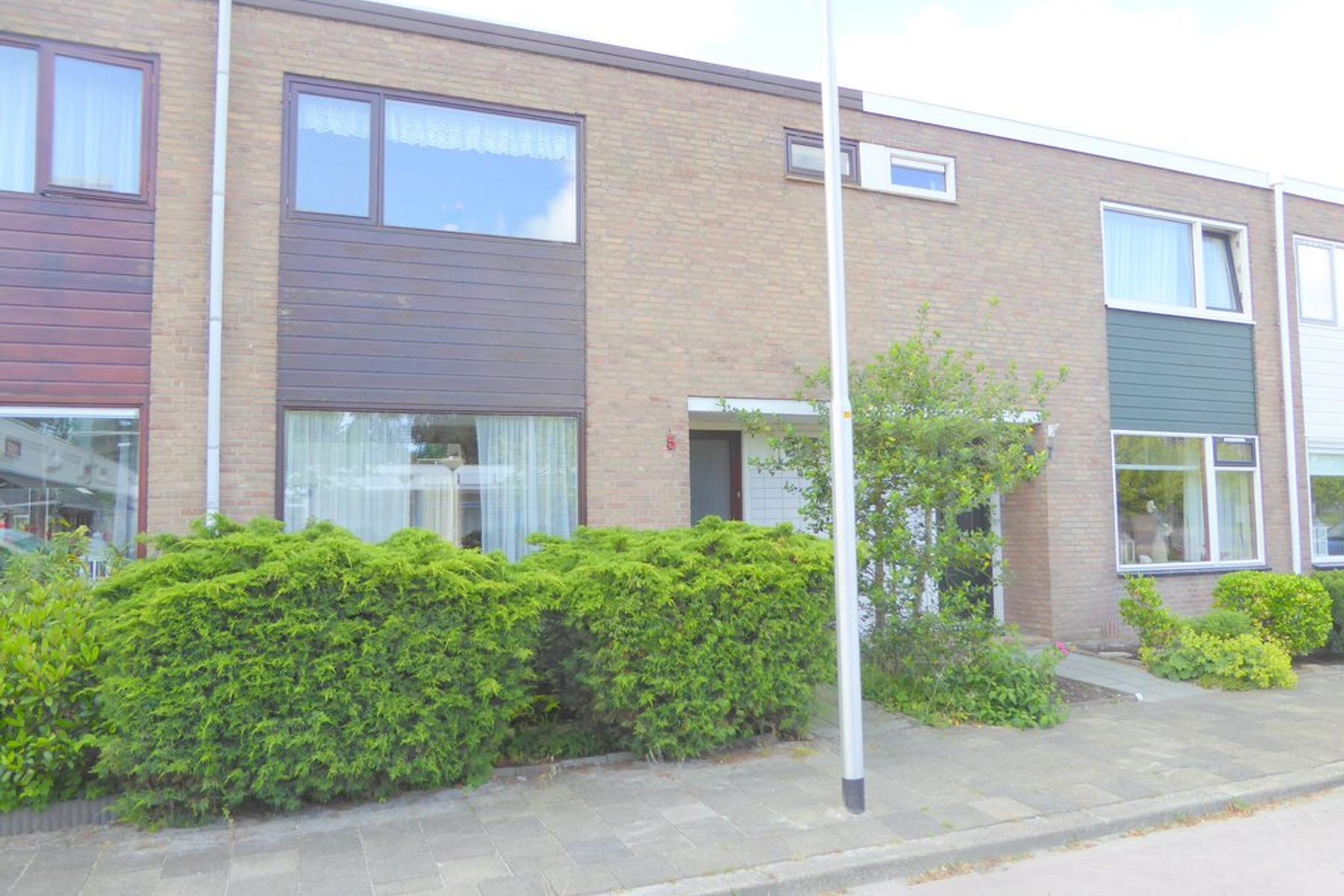 Marowijnestraat 5 in Leeuwarden 8931 BT