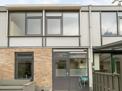 Mauritsstraat 21 in Alphen Aan Den Rijn 2405 GT