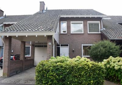 Pieter De Hooghlaan 41 in Oud-Beijerland 3262 RD