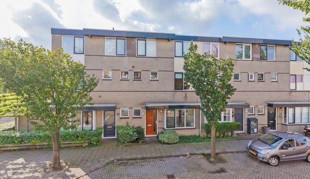 Mina Krusemanstraat 15 in Velserbroek 1991 TP