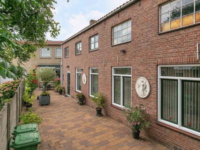 Zandheuvel 19 in Oosterhout 4901 HT