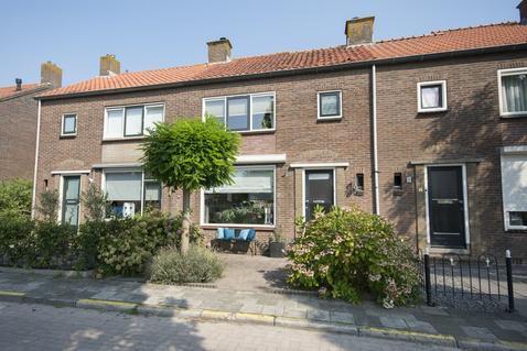 Dr. A. De Haanstraat 7 in Oud-Alblas 2969 AE