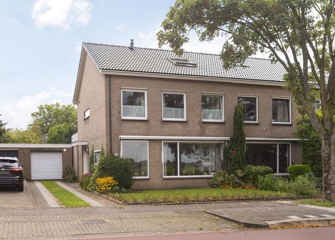 Ringbaan 8 in Molenhoek 6584 BB